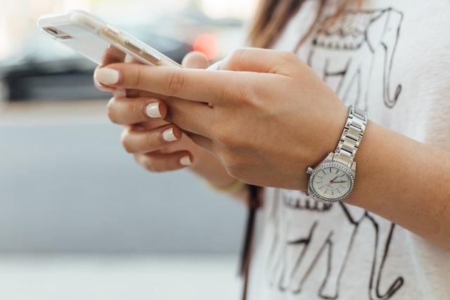 Serwis iPhone - wady i zalety korzystania z serwisu