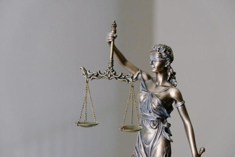 Pomoc prawna dla firm
